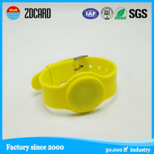 Customized Brand Silicone Bangle Print Rubber Wrisband pictures & photos