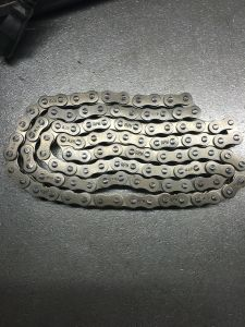 Motorcycle Chain 428 with 1.56mm Thickness pictures & photos