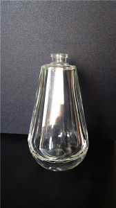 OEM/ODM Glasscial Perfume Crystal Bottle with Low Price pictures & photos