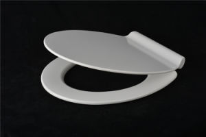Modern White Duroplast Toilet Seat with Slim Lid Design pictures & photos
