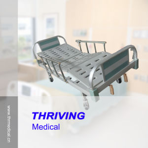 Hospital 2-Crank Manual Bed (THR-CMHD-01) pictures & photos