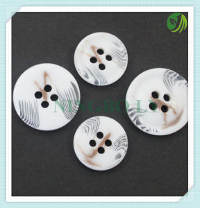 High Quality Resin Shirt Button 4-Holes pictures & photos