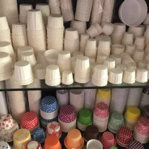 Crimped Bakery Cake Cups Forming Machine pictures & photos