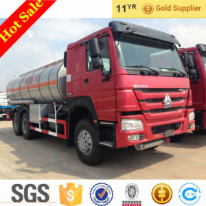 Sinotruk New Condition 25m3 Fuel Truck Tanker Truck for Sale pictures & photos