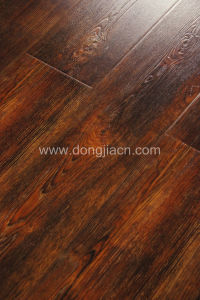 Deep and Heavy Embossed Natural European Colour Laminate Flooring 14604 pictures & photos