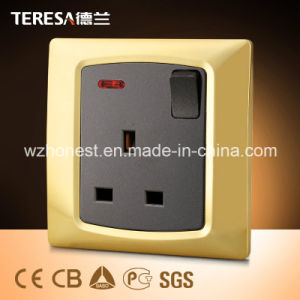 1 Gang 13A Socket Wall Switch Socket with LED Indicator Light pictures & photos