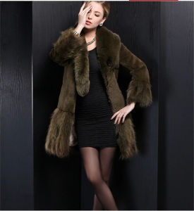 2015 Long Style Real Rabbit Fur Overcoat for Winter Lady pictures & photos