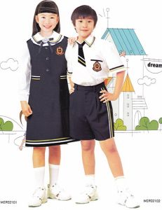 Lovely School Uniform for Girls and Boys Shirt and Skirt -Su27 pictures & photos