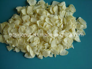 2015crop Garlic Flakes (Grade I) pictures & photos