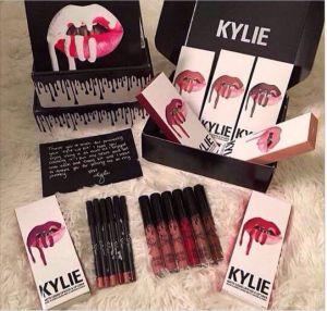Presell Kylie Lip Kit by Kylie Jenner 1PCS Matte Lip Gloss with 1PCS Eyekiner Kylie Set Lipgloss Liquid Lipstick Matte 8 Colors pictures & photos