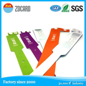 New Brand Custom Bracelet OEM Silicon Wristband pictures & photos