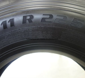Roadone Long Distance Wearable Truck Tyre Hf01 Pattern 12r22.5 Tubeless Radial TBR Tyre pictures & photos