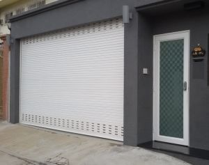 Extruded/ Double Skin Aluminum Rolling Shutter pictures & photos