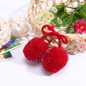Garment Accessories Heart Shape Fur Ball pictures & photos