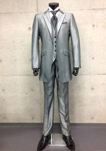 High Quality Men′s Suit Formal Business/Wedding Suits pictures & photos