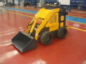 800mm Width Narrow Space Working Wheel Min Skid Steer Loader pictures & photos
