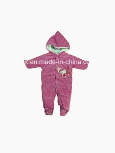 High Quality Velvet Knitted Suit for Kids pictures & photos