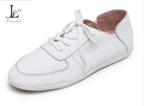 Confortable Low Top Leather Casual Shoes (CAS-035) pictures & photos
