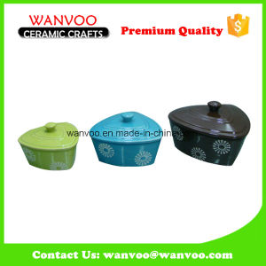 Cheapest Eco-Friendly Heart Shape Ceramic Bakeware Baking Pans with Lid pictures & photos