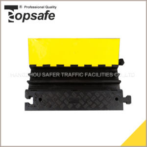 3-Channel Rubber Base and Plastic Lid Cable Protector pictures & photos