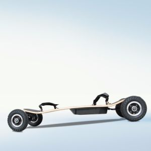 Four Wheel Wireless Remote Control Electric Skateboard pictures & photos