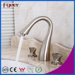 Fyeer Thress Holes Brushed Two Handle Widespread Basin Faucet pictures & photos