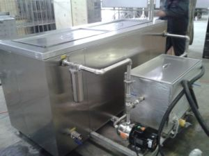 Ultrasonic Cleaner for Engine Cylinder with Recycling Filter pictures & photos