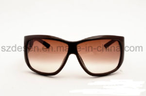 Hot Sale Women Driving UV400 Round Polarized Sunglasses pictures & photos