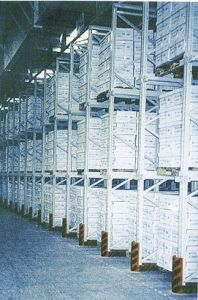 Drive-in Pallet Type Racking System pictures & photos