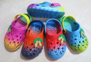 New Arrival Kids EVA Garden Shoes EVA Sandals (LW54) pictures & photos