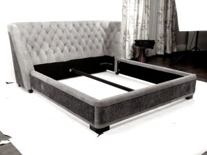 New Italian Design Top Grain Leather Bed pictures & photos