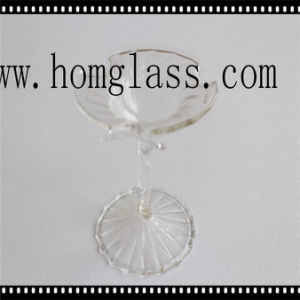 Customized Glass Candle Holder/Candlestick/Candleholder pictures & photos