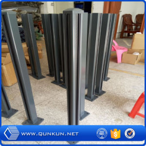 Factory Price Best Quality Metal Fence Post on Sale pictures & photos