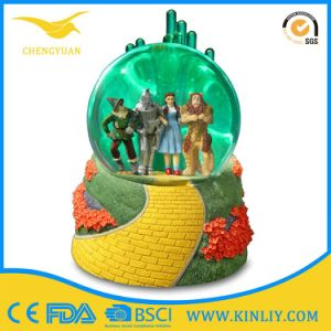 Gifts Crafts Resin Glass Resin Musical Snow Globes pictures & photos