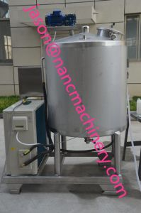 Industrial Use Stainless Steel 500L Vertical Milk Cooler pictures & photos