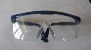 Cheapest Anti-Fog Dental Safety Glasses Dental Product pictures & photos