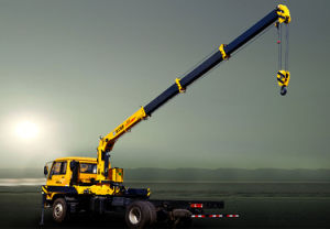 6.3ton Truck Mounted Crane Sq6.3sk2q pictures & photos