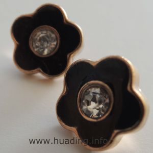 Flower Shape Sewing Button Embeded Diamond B981 pictures & photos