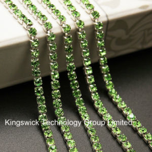 Single Row Ss18 Silver Crystal Rhinestone Chain pictures & photos