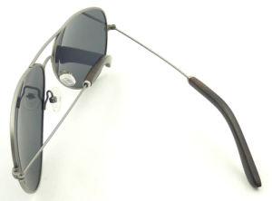 Fqiw161858 High Quality Titanium Material Metal Sunglasses Polarized Lens pictures & photos