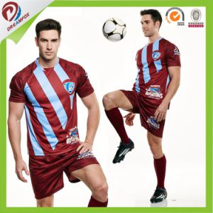 2017 Hot Selling Customized 100% Polyester Team Sublimated Soccer Uniforms Kit pictures & photos