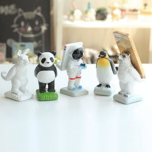 Resin Home Decor Animal Shaped Decorative Cell Phone Holder pictures & photos