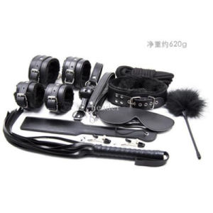 10PCS/Set Black Leather Bondage Set Kit Contains Wrist Cuffs Mouth Gag Fetish Whip Blindfold Rope Nipple Clamp Neck Collar pictures & photos