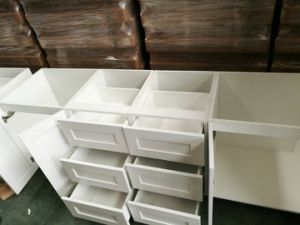 Solid Wood Kitchen Cupboard pictures & photos