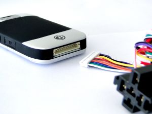 GPRS Apps Tracking GPS Car Tracker with Fuel Monitor Tk303h pictures & photos