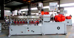 Twin-Screw Extruder Co-Rotating, High Output Capacity, 500-600rpm Screw Speed, Plastic Extruder pictures & photos