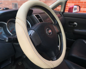 OEM Design Car Steering Wheel Cover pictures & photos