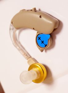 Behind The Ear Hearing Aid for Older pictures & photos