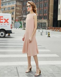 Simple Sleeveless Pink Round-Neck Fishtail Women′s Dress pictures & photos