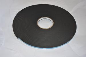 Black Close Cell PVC Foam Tape Coating Acrylic Adhesive pictures & photos